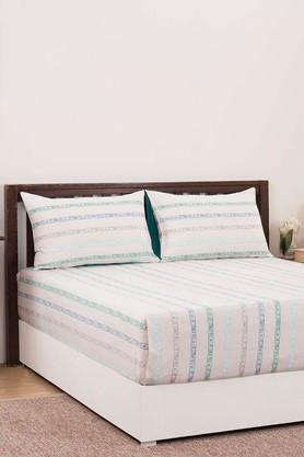 Ruffle Striped Double Bedsheet with 2 Pillow Covers
