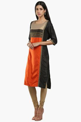 W Womens Round Neck Colour Block Printed Kurta