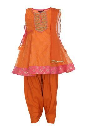 Girls Round Neck Printed Salwar Suit