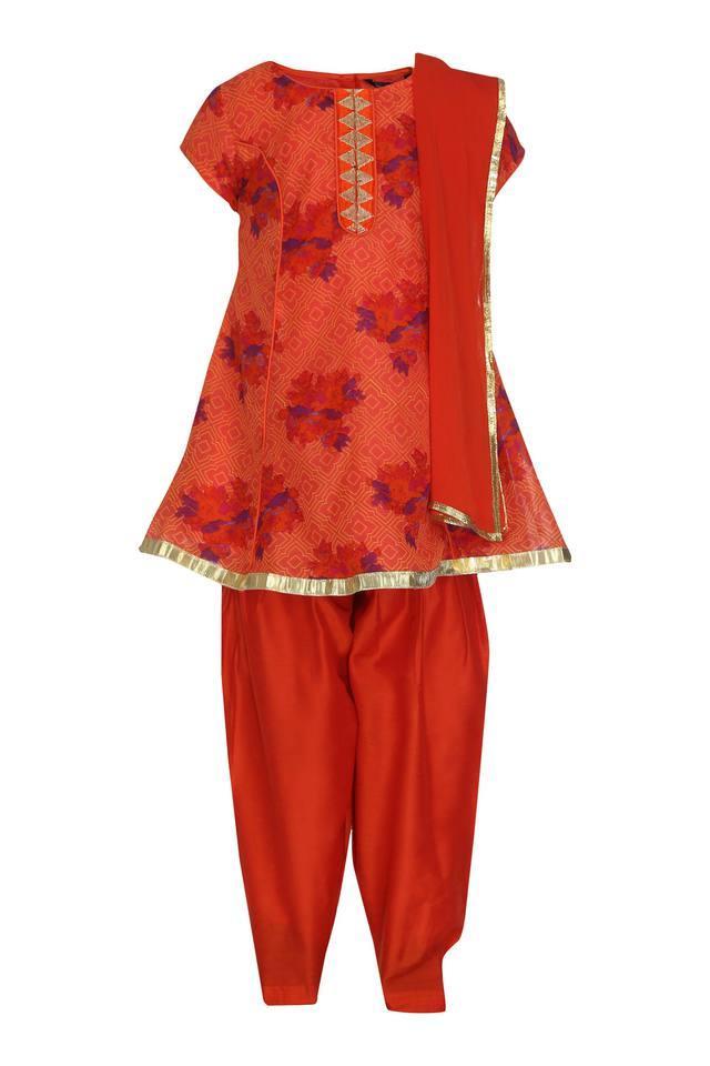 Girls Round Neck Printed Salwar Suit