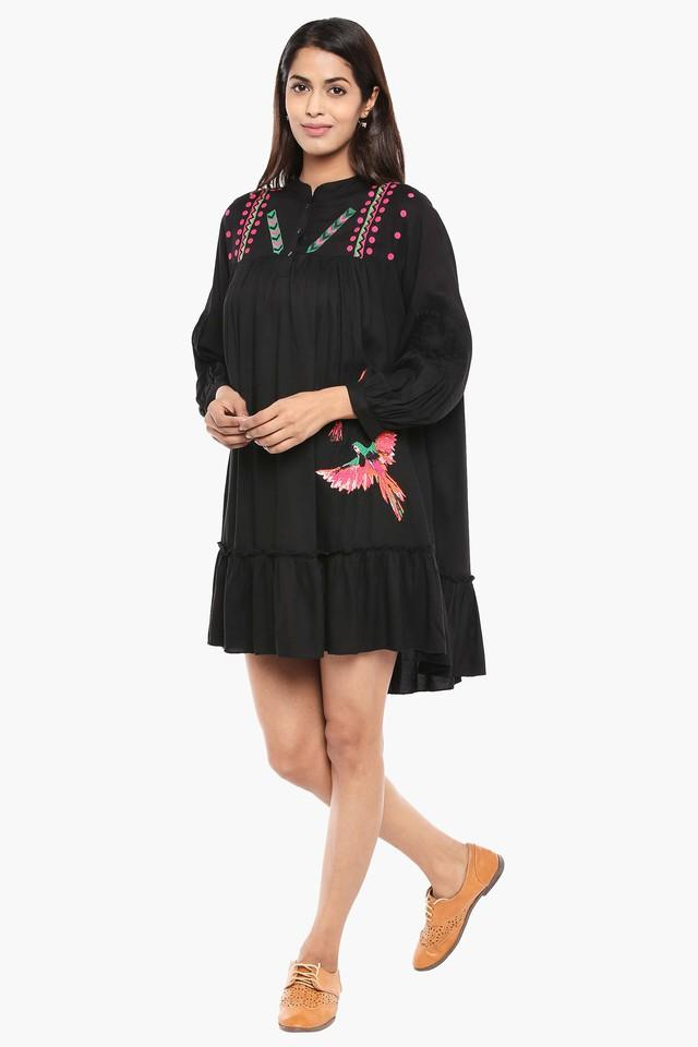 Womens Mandarin Neck Embroidered Short Dress