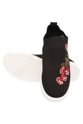 Womens Casual Wear Slip Ons