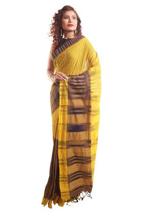 HAST VASTRAWomens Striped Saree With Blouse