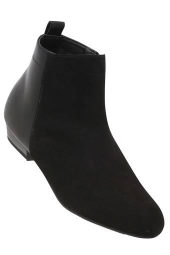 Womens Casual Wear Zip Closure Boots