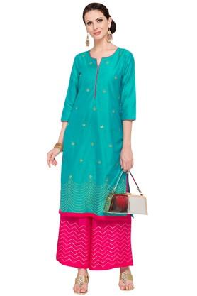 Women Notched Neck Embroidered Kurta