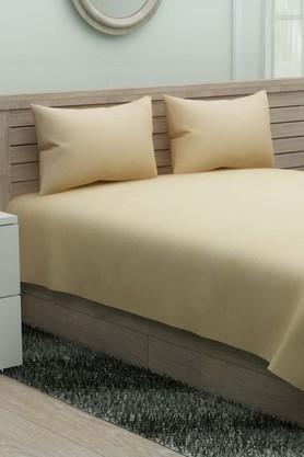 IVYSolid Double Bedsheet With 2 Pillow Covers
