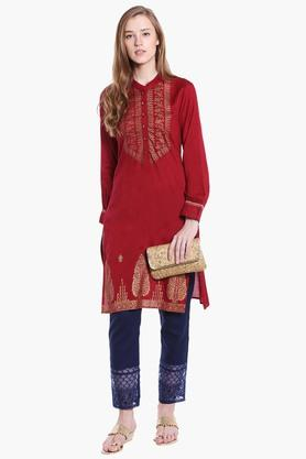 FUSION BEATS Womens Band Neck Printed Kurta