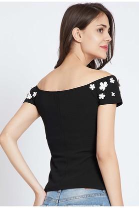 Womens Off Shoulder Neck Applique Top