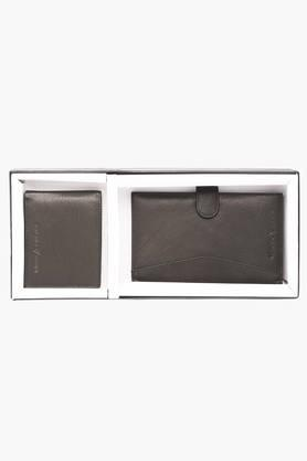 VETTORIO FRATINIMens Leather 1 Fold Wallet And Passport Holder