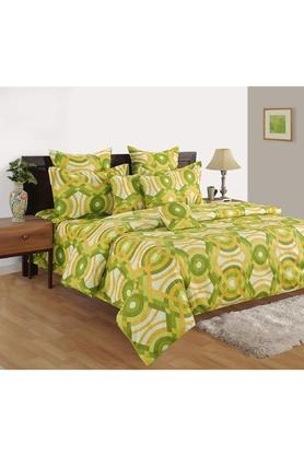Abstract Print Double Bed Sheet With 2 Pillow Covers and Double AC Comforter