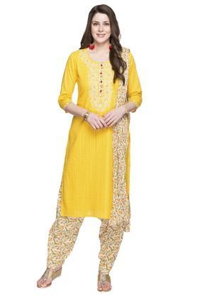 STOPWomens Round Neck Self Pattern Salwar Suit