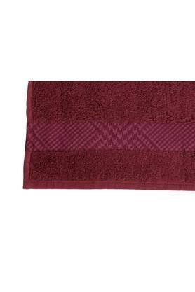 Flamboyance Houndstooth Print Medium Bath Towel