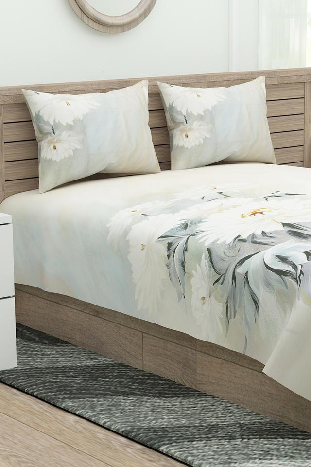 Blossom Floral Esteem Collection Extra Large Bedsheet with Pillow Covers