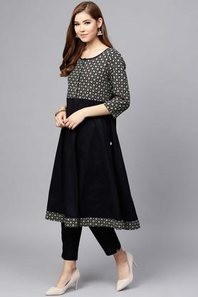 Womens Round Neck Printed Kurta and Pants Set