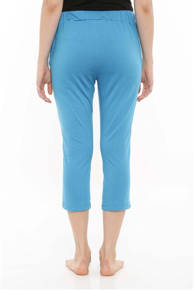 Womens Solid Capris