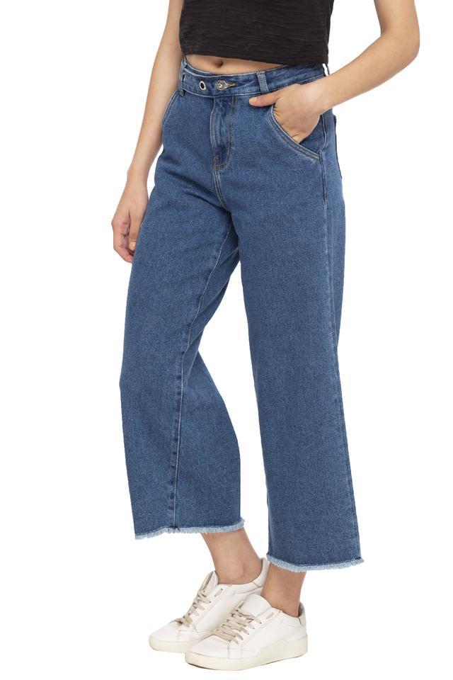 Womens 4 Pocket Mild Wash Jeans
