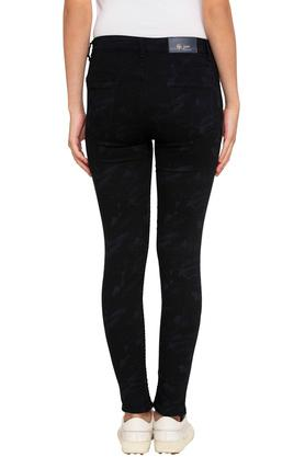 Womens 5 Pocket Self Printed Jeans