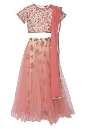 Get Upto 50 Off On Traditional Ethnic Wear For Girls Online