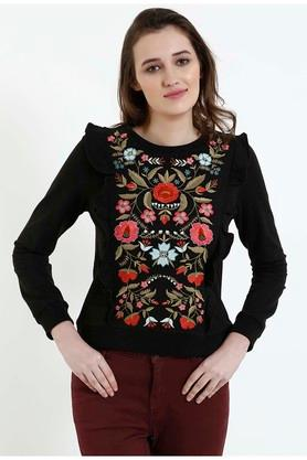 COVER STORYWomens Round Neck Embroidered Pullover