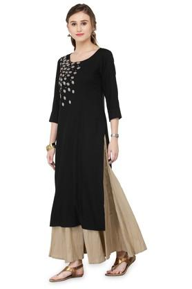 Women Rayon Solid Straight Kurta