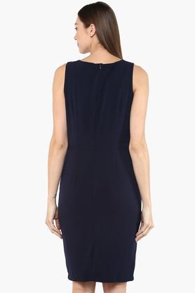 Women Key Hole Neck Solid Knee Length Dress
