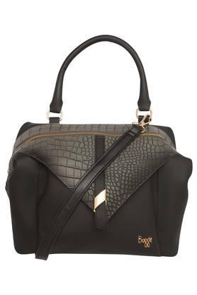 7285b02f051 Handbags - Buy Ladies Designer Purses & Handbags Online | Shoppers Stop
