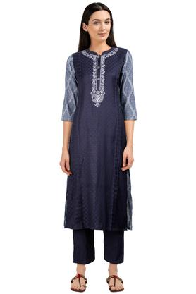 Womens Mandarin Collar Printed Kurta and Pant Set