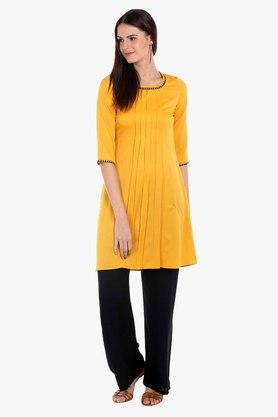 FUSION BEATS Womens Round Neck Solid Kurta