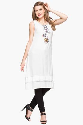 IMARAWomens Round Neck Solid Embroidered Kurta - 203080008_9100