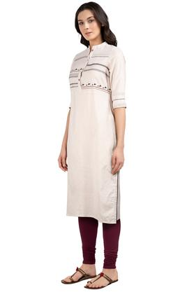 Womens Mandarin Collar Solid Embroidered Kurta
