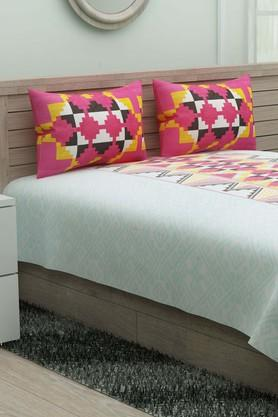 IVYPrinted Double Bedsheet With 2 Pillow Covers - 203980887_9570