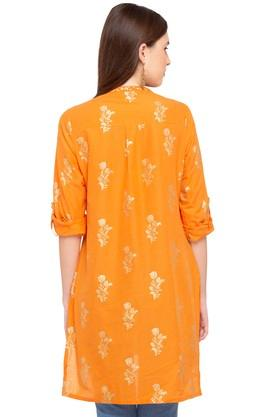 Womens Mandarin Neck Embroidered Kurta