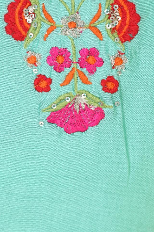 Girls Round Neck Embroidered Churidar Suit