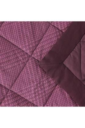 Flamboyance Houndstooth Print Double Quilt
