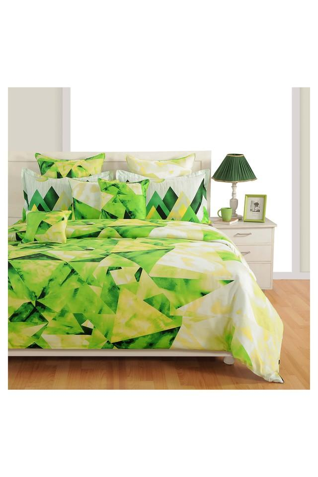 Geometric Printed Double Bed Sheet Comforter and Pillow Covers Set