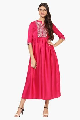 JUNIPER Womens Embroidered Flared Kurta