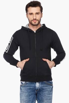 FLYING MACHINEMens Slim Fit Hooded Solid Sweatshirt