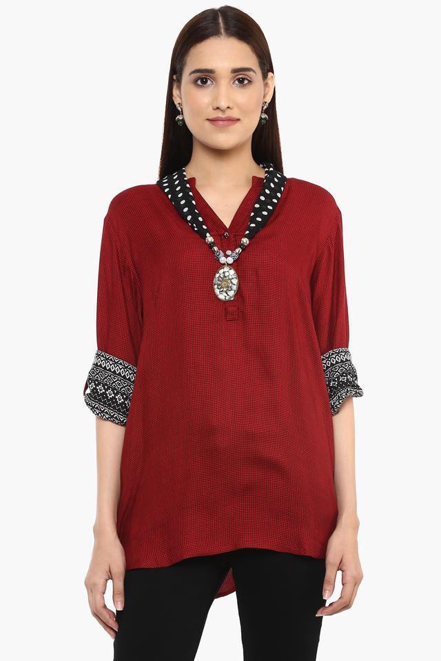 Womens Mandarin Collar Checks Kurta with Scarf