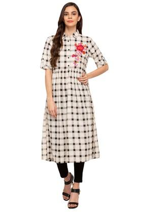 Womens Embroidered Casual Kurta
