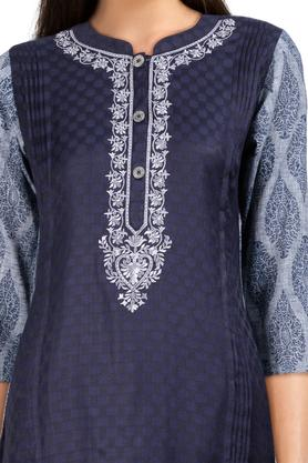 Womens Mandarin Collar Printed Kurta and Pant Set
