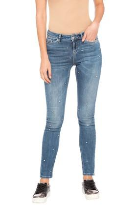 4f62190df3afb9 X VERO MODA Womens 5 Pocket Whiskered Effect Jeans. VERO MODA