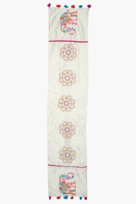 IVYEmbroidered Table Runner