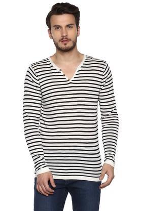 CELIOMens Straight Fit V Neck Stripe Sweater