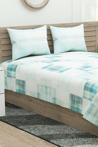 Geometric Extra Large Bedsheet with Pillow Covers