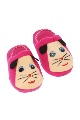24c585f4af1 Buy IVY Cat Printed Bath Slippers