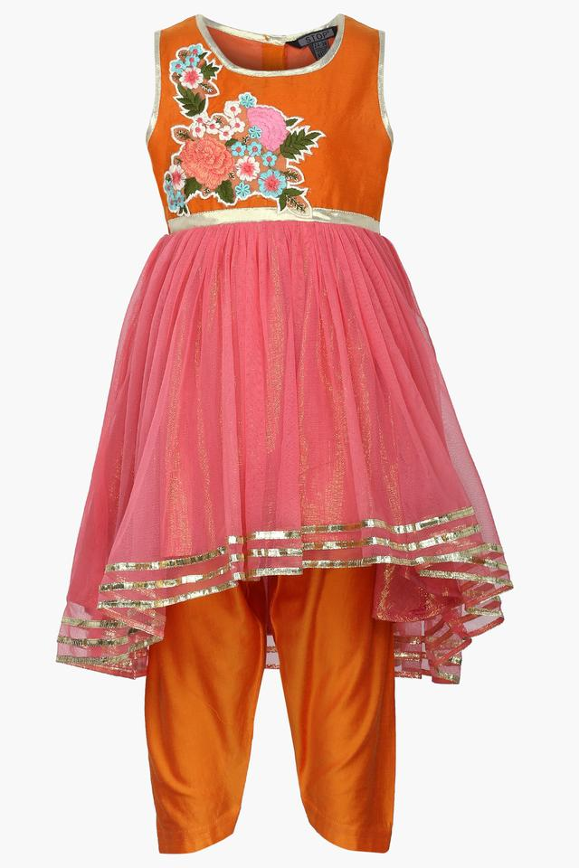 Girls Round Neck Applique Salwar Suit