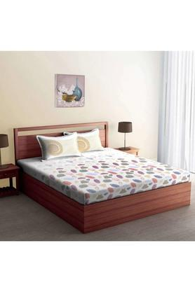 SPACESPrinted Cotton Double Bed Sheet With 2 Pillow Covers