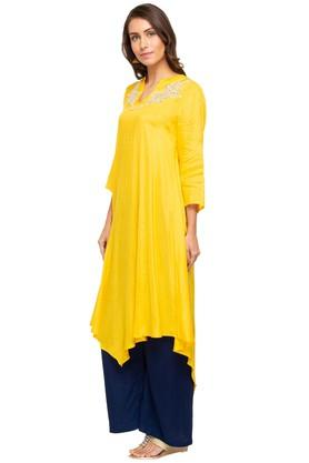 Womens Mandarin Neck Solid Embroidered Asymmetrical Kurta