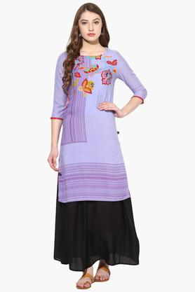 JUNIPER Womens Placement Print Long Kurta With Long Skirt