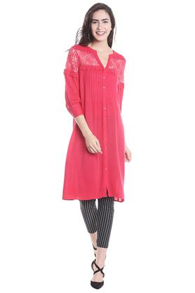 FUSION BEATS Womens Notched Neck Lace Kurta